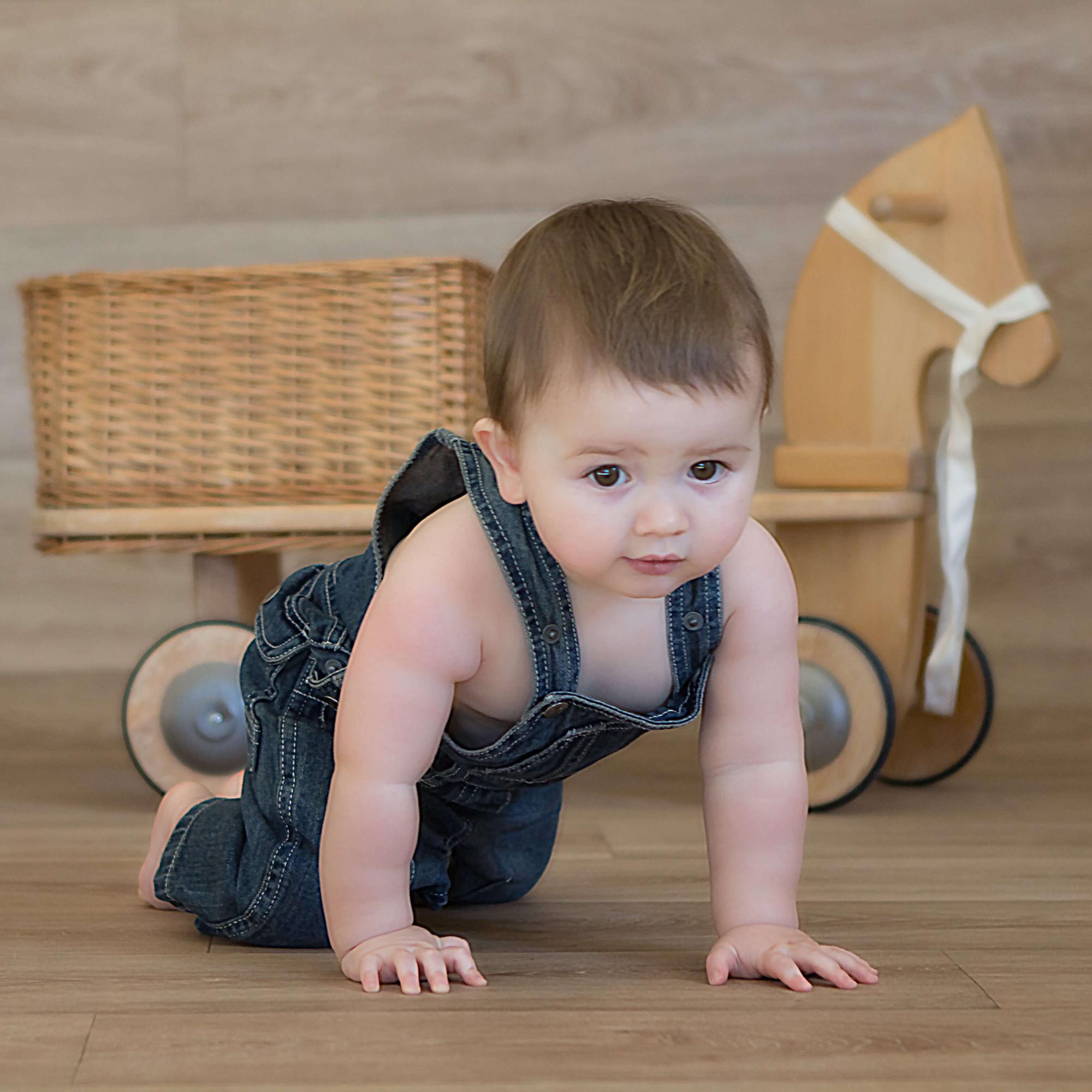 Séance photo bébé - Mélanie Durand - séance à 4 pattes -photo enfant - shooting bébé - Séance photo tout petit Venelles Aix en Provence