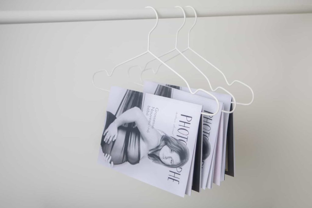 Magazine pour séance photo grossesse nouveau né et bébé- tarif séance minuscule-tarif séance invisible-tarif séance à 4 pattes- mes conditions générales de vente-un peu de moi- mon home studio-photographe Ventabren- photographe Aix en Provence