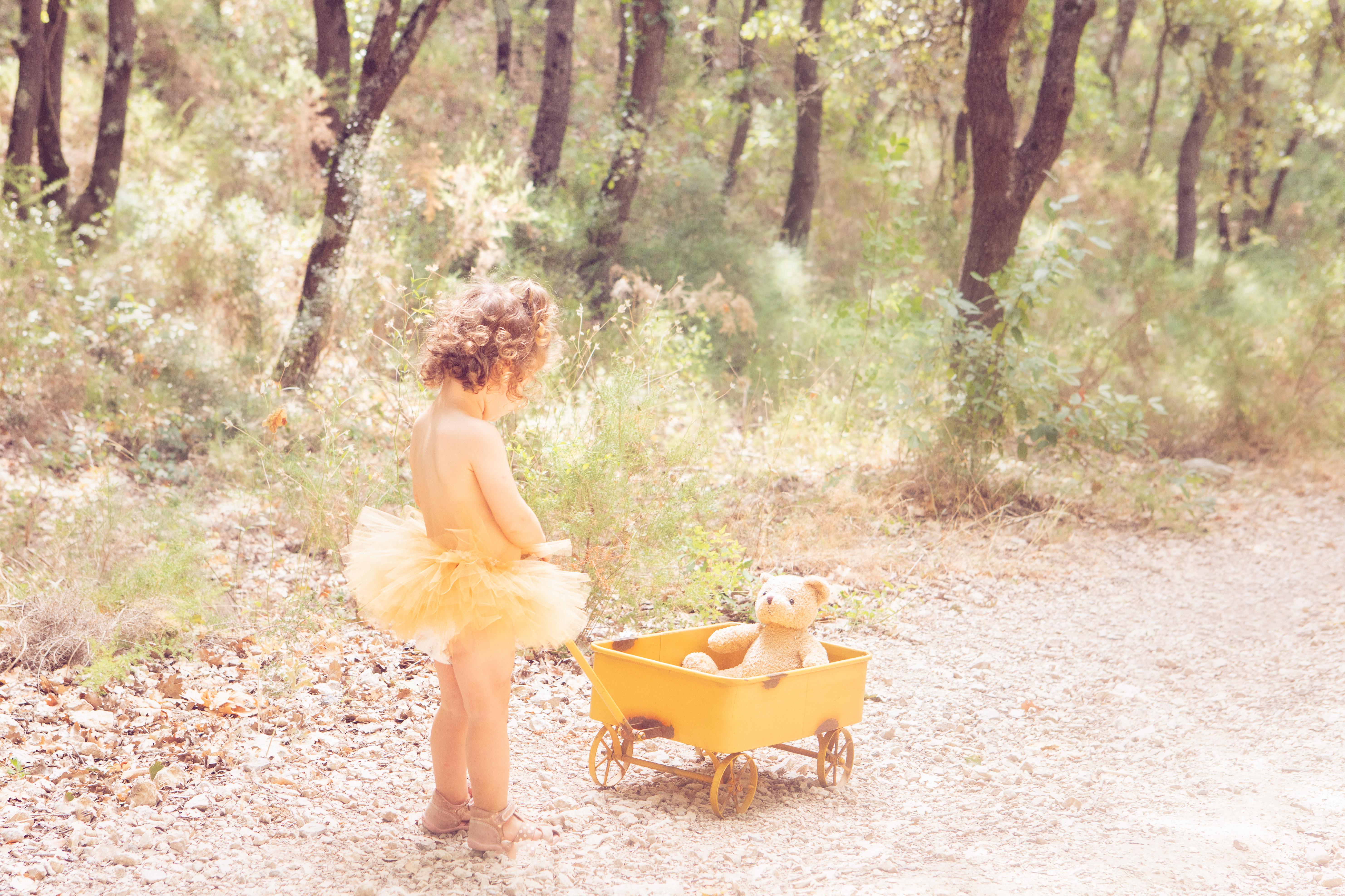 séance photo extérieur - Mélanie Durand photographe -photographe Aix en Provence- photographe professionnelle-séance photo enfant-page accueil-photo petite fille- little girl- photo automne- séance enfant -photographe spécialisée- photographe PACA- photographe Marseille- photographe Aubagne- photographe Aubagne-photographe Velaux